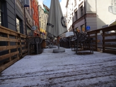 Der lå lidt sne fra natten om morgenen/A little of tonightʹs snow in the morning