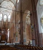 Fra Peterskirkens indre, kig ned igennem skibet/A look down the nave of St. Peterʹs church