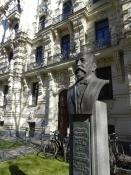 En buste af Rigas jugendstil-elskende borgmester/A bust of Rigaʹs art nouveau-loving mayor