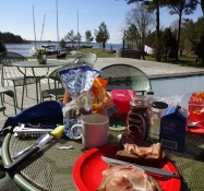 Morgenbad i haven/My breakfast in the garden