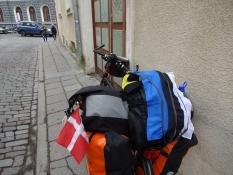 Min cykel med både dansk og estisk gæsteflag/My bike with both Danish and Estonian guest flag