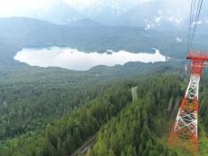 Søen Eibsee set fra svævebanen op til Zugspitze