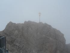 Selve toppen af Zugspitze, set fra udsigtsplatformen.