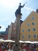 Skytshelgen på torvet i Füssen