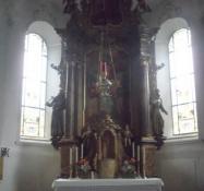 Alt ånder fred i kirkens indre.