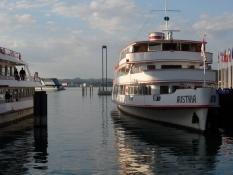 Udflugtsbåd på Bodensee i Bregenzʹ havn.