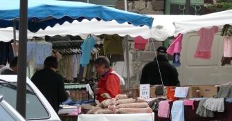 Bains, Markt
