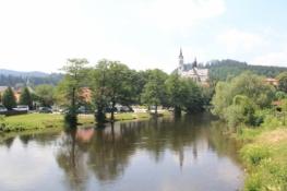 Blick zurück auf Kloster Vyšší Brod