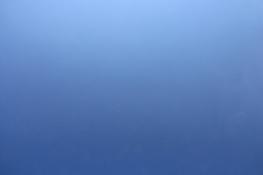 Blauer Himmel über Böhmen