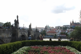 Prag, Karlsbrücke mit Kleinseite und Pražský hrad