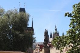 Prag, am Fuß der Karlsbrücke am Kleinseitener Ufer