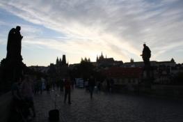 Prag, Abenddämmerung an der Karlsbrücke