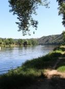 Schlechtes Wegstück mit schöner Aussicht vor Libčice