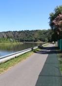 Moldau-Radweg bei Schloss Troja
