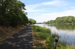 Elbe-Radweg hinter Mělník