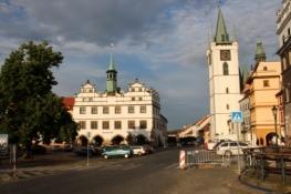 Litoměřice, Stadtplatz mit Rathaus und Stadtkirche
