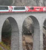 Høje murede buer bærer viadukten/The bridgde is carried by high brick vaults