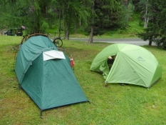 For første gang i to telte i St. Moritz/For the first time we sleep in two tents at St. Moritz