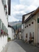 Rigtig schweizeratmosfære i de snævre gyder/Real Swiss atmosphere in the narrow lanes