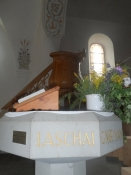 Kig hen over det lille alter mod prædikestolen/A view of the little altar towards the pulpit