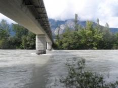 Inn er en stor, mudret flod nu med stærk strøm/Inn is a fast flowing large, muddy river now