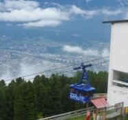 Men udsigten fra 1951 m.ʹs højde fejler ikke noget/The view from 1,951 m elevation is okay, though