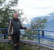 Der var meget koldere på toppen end nede i dalen/It was much colder up here than down in the valley