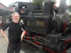 Et lille og langsomt, men stærkt damplokomotiv/A small and slow, but strong steam engine