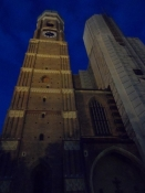 Domkirkens (Vor Frue) ene tårn restaureres/One of the cathedralʹs towers is being renovated