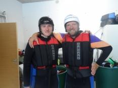 Klar til en tur i en gummibåd på floden/Ready for at trip in an inflatable boat on the river