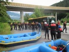 Rafting er populært, især i dårligt vejr/Raftingʹs popular, especially when it rains