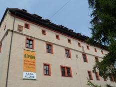 Byen har sågar en gammel kejser-residens/The town even has an old emperorʹs residence