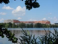 Et blik mod den enorme kongreshal/A view of the enormous congress hall