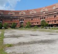 Kongreshallens indergård, der skulle have været overdækket/The central yard which was to be covered