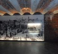 Rå vægge og lofter og det sønderbombede Nürnberg/Raw walls and ceilings and the destroyed Nuremberg