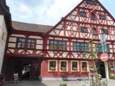 Den flotte kro ʺZum Schwanʺ i Schwand/The impressive inn ʺZum Schwanʺ at Schwand