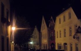 Aftenstemning fra Riedenburg/Darkness has fallen over Riedenburg