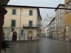 Gubbio, Piazza Oderisi
