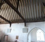 Meget specielt højt loft med synlige bjælker/Very special high ceiling with visible rafters