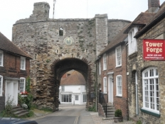 Byport i den charmerende lille by Rye/Town gate of the charming little town of Rye