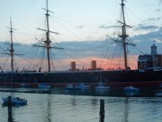 HMS Warrior i den historiske flådebase/HMS Warrior at the historic naval dockyard