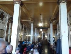 Meget stilfuldt næsten 100 år gammelt værtshus/Very stylish almost 100 years old public house