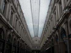I de smukke indkøbsarkader Kongegalleriet/In the magnificent shoppingmall The Royal Galleries