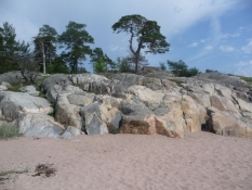 Sandstrand med klipper på Tulliniemi/Sand and rocks on Tulliniemi beach