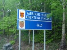 Den første provinsgrænse passeres/Entering the province of Finland Proper