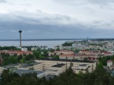 Et kig ind over byen fra udsigtstårnet/The tower commands a view of the city