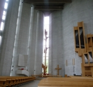 Kirkens indre imponerer/The interior of the church is impressing