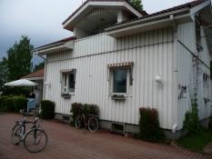 Ankomst til Pekka og Päivis hus/Arrival at Pekka and Päiviʹs house