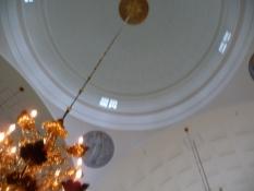 Et kig op i kuplen/A view up the cupola