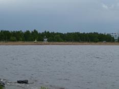 Hietasaari, Sandøen, under en truende himmel/The Sandy Island under a menacing sky